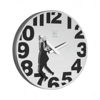 Часы настенные с человечком Ø30