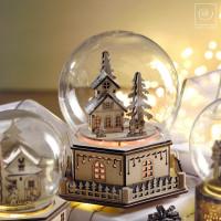 Новогодний декор Музыкальный домик в стеклянном куполе, 20 см