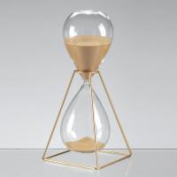 Песочные часы на 60 минут в золотом каркасе